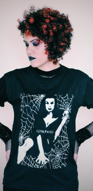 CAMISETA QUEEN OF HALLOWEEN
